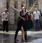 زن ترکیه میدان تقسیم